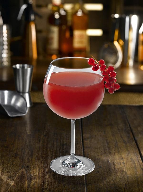 cocktail fraicheur soleil rouge verre à pied