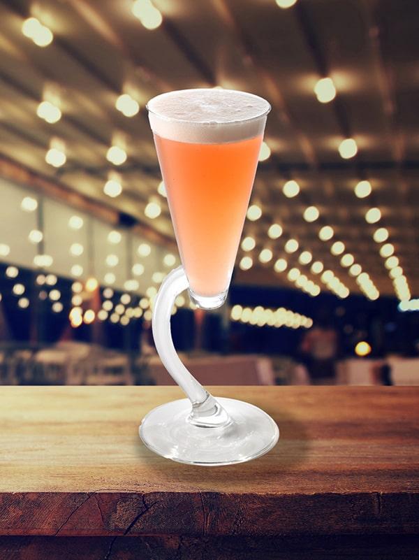 cocktail airbus dans coupe original couleur orangé
