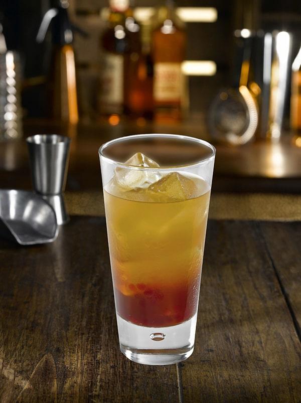 cocktail big brother à étage avec du whiskey