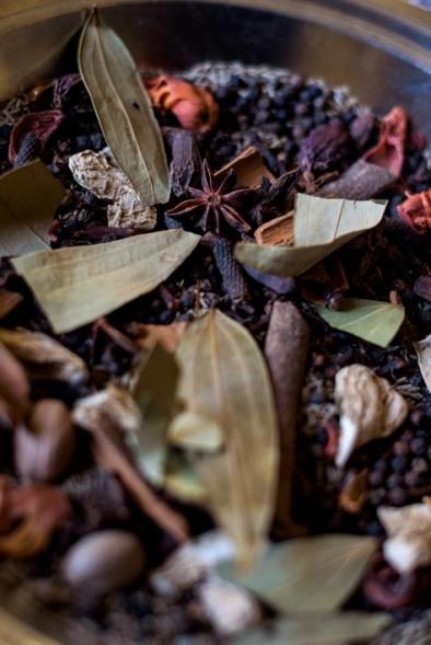 rhum arrangé epices feuilles fruits