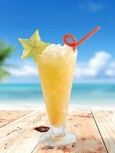 cocktail-acapulco-gloden-technique-swizzling