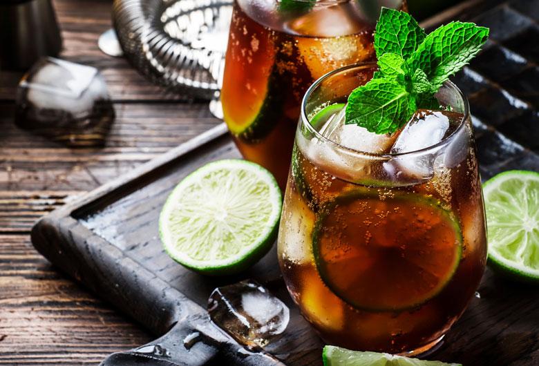 histoire-rhum-et-cocktails-mojito-pina-colada