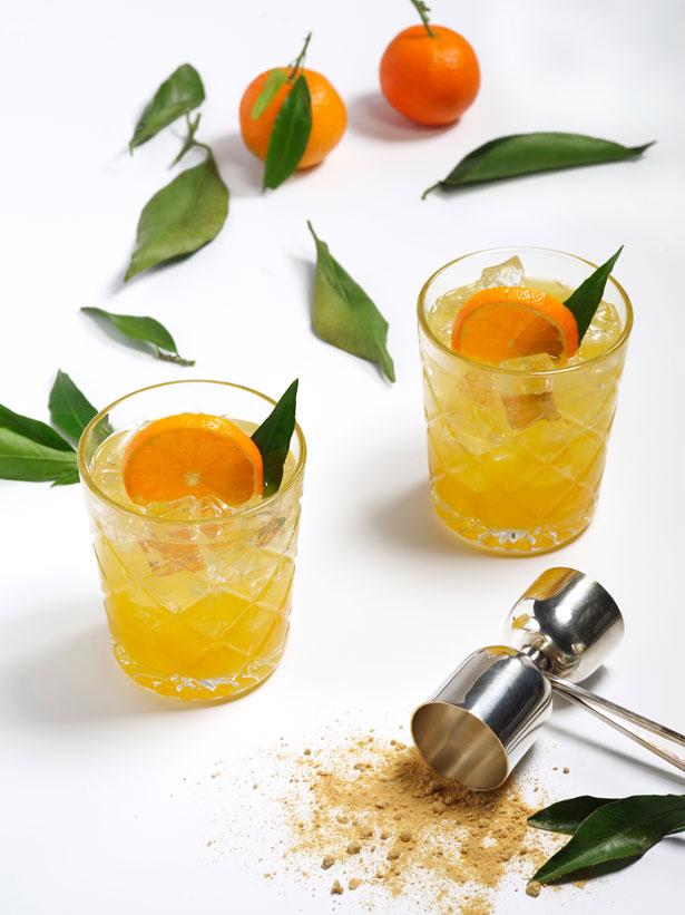 cocktail au gin, kombucha au gingembre et jus de clémentine