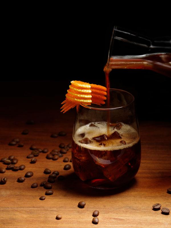 cocktail tonic, café infusée à froid et whisky