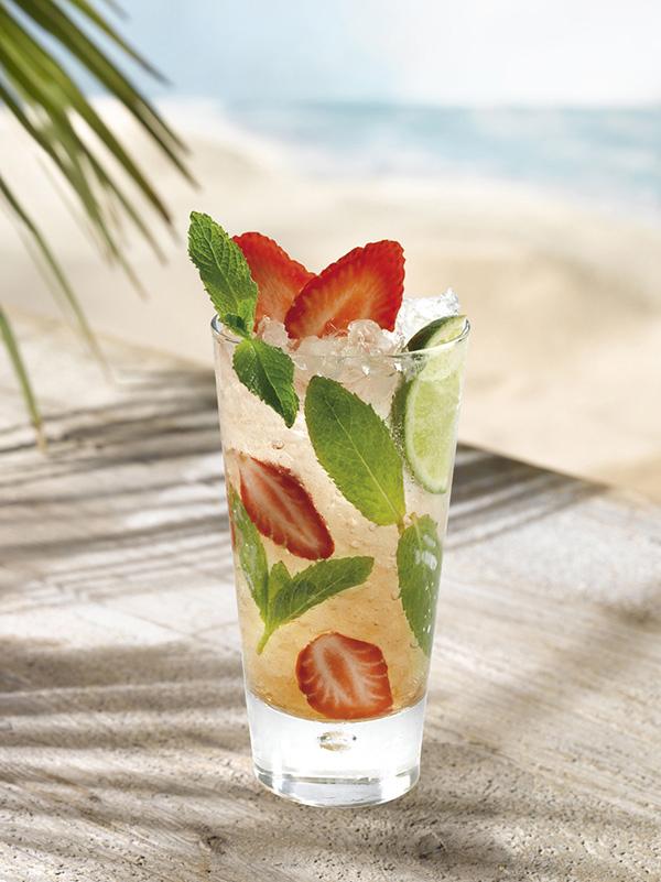 straw-mojito-cocktail