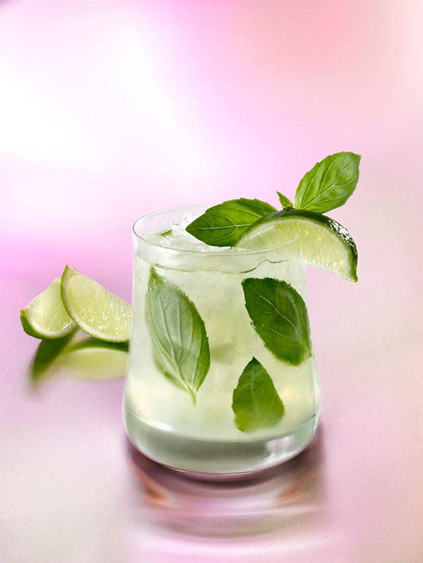sikko-cocktail-vodka-gingembre-basilic