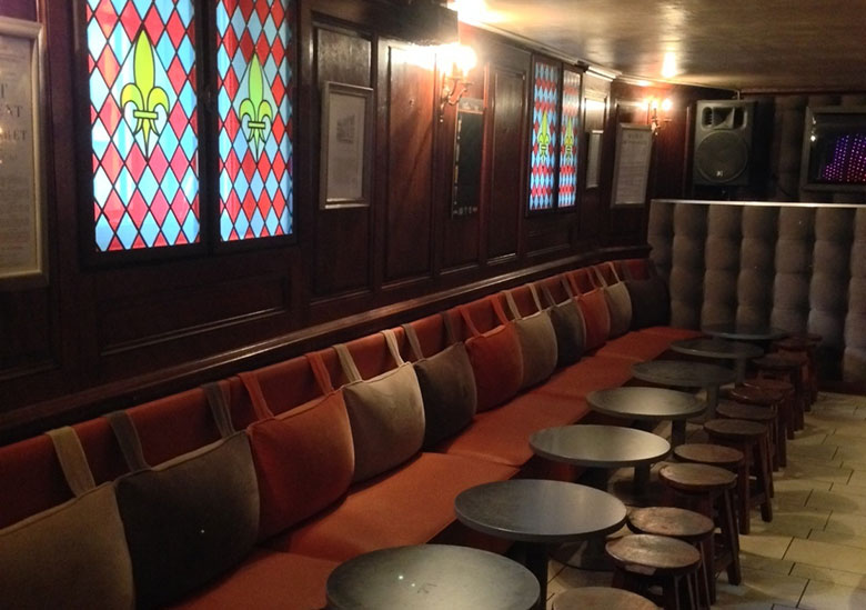 bar-discothèque-les-caves-du-roi-soleil-versailles