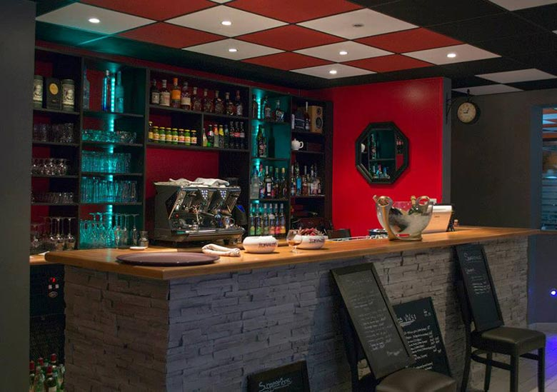 Restaurant-Le-Grille-du-Barbare-Vaujours