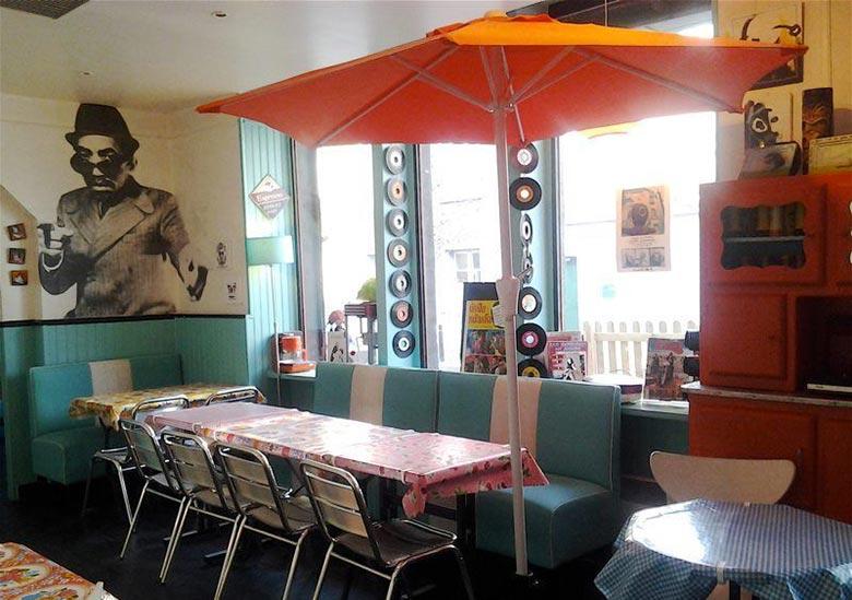 bar-restaurant-le-mange-disc-montreuil