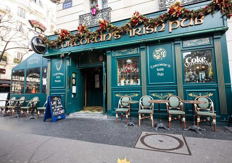 pub-corcorans-clichy-paris