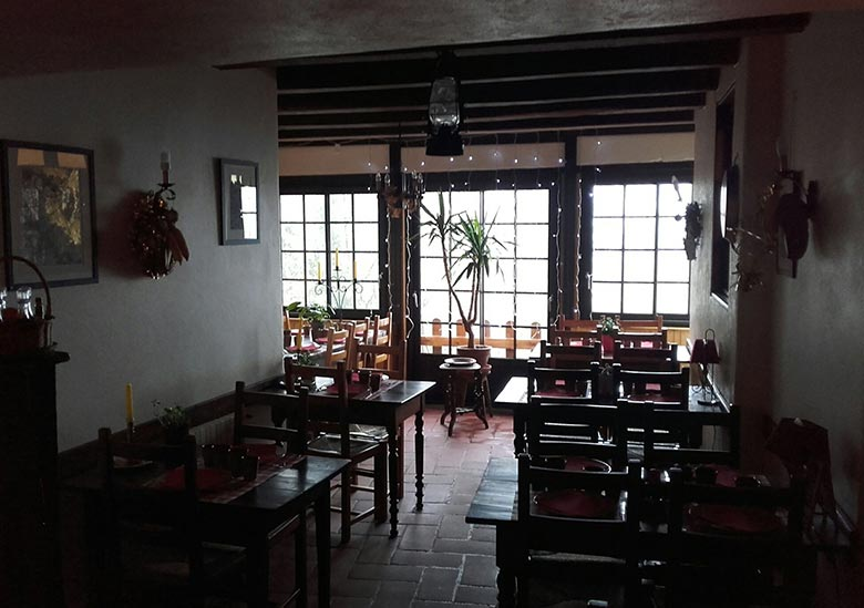 Restaurant-L'Auberge-du-Coq-Perouges
